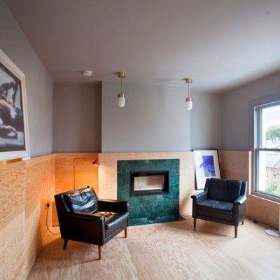 Les architectes Tom et James Teatum ont remanié la disposition d'un étage supérieur de deux maisons dans l'ouest de Londres pour créer une paire d'appartements.  Teatum+Teatum a créé les appartements 008 et 009 par l'extension et la réorganisation des parties supérieures de deux propriétés adjacentes. Les architectes ont étendu le toit pour créer un espace pour l'appartement 009, qu'ils décrivent comme « la création d'une nouvelle maison par les vides inutilisés de maisons existantes. »