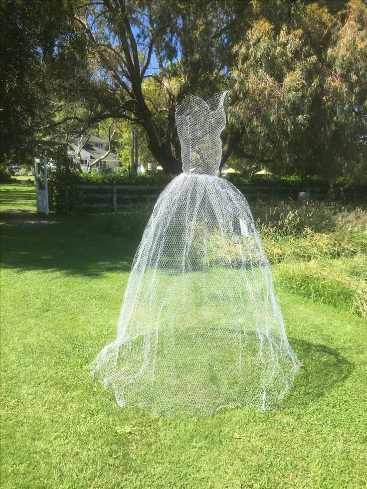 'Dance' by Andrea Beech of Havelock North - Wire net - $890