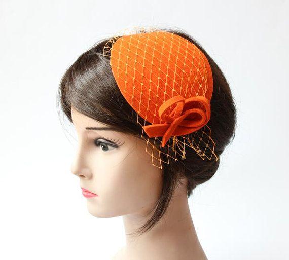 Orange Fascinator mit Schleier und Bogen von kagikagi auf Etsy