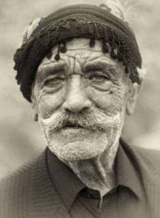 Μανώλης Τσόντος. Σφακιανά πορτρέτα βγαλμένα από τον Νίκο Ψιλάκη το 1986 κατά τα εγκαίνια της γέφυρας της Αράδαινας