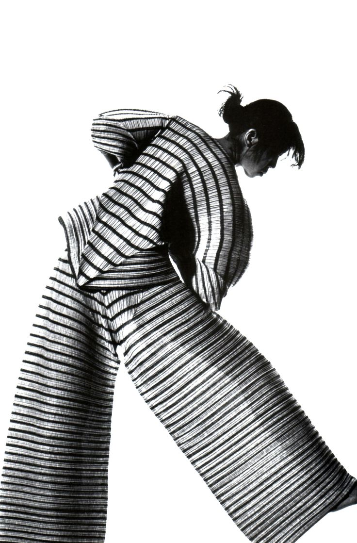 Sculptural Fashion with pleated textures & oversized silhouette; artistic fashion // Issey Miyake