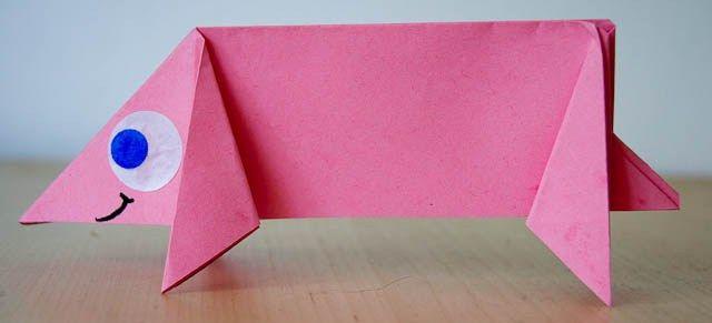 Varkentje vouwen - knutselen - Juf Jannie apps voor kinderen. Origami. Knutselen met kinderen.