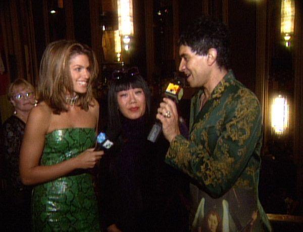 Pat Smear and Cindy Crawford at the 1997 VMAs