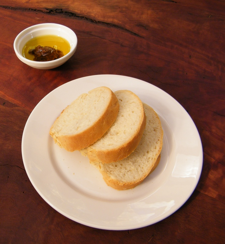 L'Oliveraie olive oil & house made bread