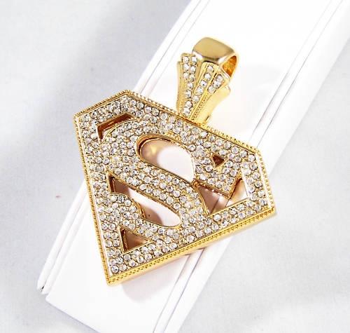 14K Gold Diamond SM Pendant.   Want Want Want. I love ANYTHING Superman!