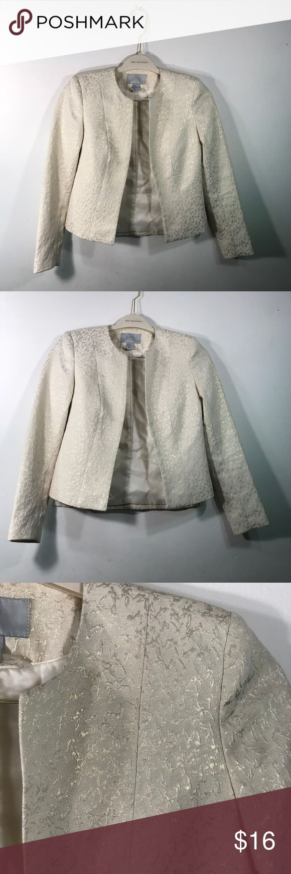 H&M Off White Egg Shell Work Blazer Gold Detail Perfect blazer for work or pairing with outfit for weekend during spring and summer Pairs well with dark denim jeans or skirt  Good condition- small stain as seen in picture 5  Egg shell or off white color with 3d gold design all over  Chest: 16 Sleeve: 22 Length: 20 H&M Jackets & Coats Blazers