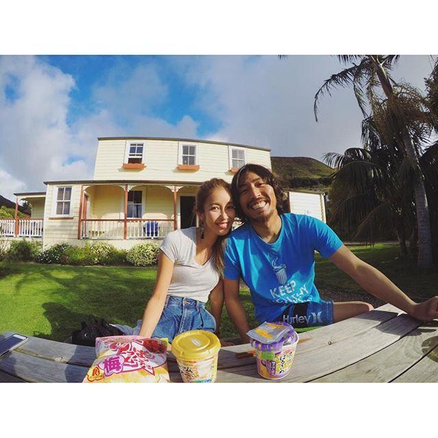 【moebon】さんのInstagramをピンしています。 《. Day5. 萌はNo surfin 慎吾くんは2round . 波チェックしながらbeachを散歩したり 洗濯回したりハンモックでゆらゆらしたり 今日もhappyな1日 . . #sunset#beach#car#bier#happy#mylife#couple#holiday#sky#sea#love#gopro#NZ#newzealand#surfing #よっちゃんもっちゃん#ビーチ#海#毎日海#幸せ#サーフィン#スローライフ#国際遠距離#遠距離》