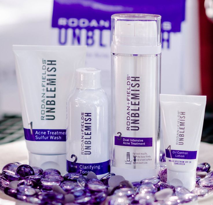 Take control of adult acne with UNBLEMISH Regimen. A complete Multi-Med® Therapy solution, the UNBLEMISH Regimen is clinically tested to help stop blackheads and pesky pimples before they become visible on skin's surface. Found to combat the entire acne cycle, this sophisticated Regimen helps unclog pores, calm your complexion and keep adult acne from making unwelcome appearances on your face.