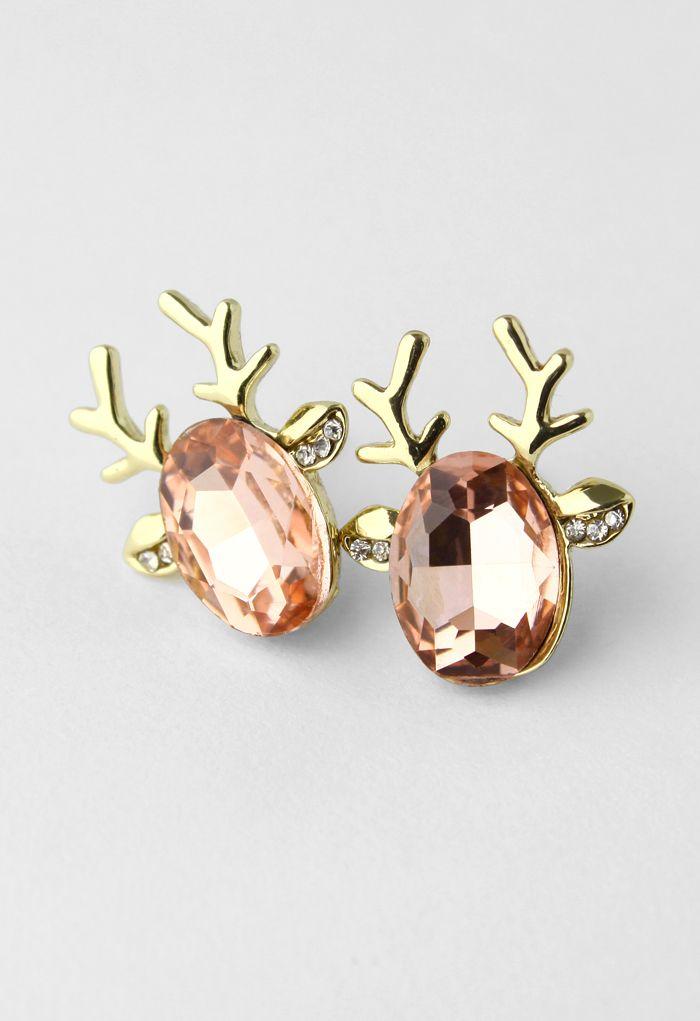 Sweet reindeer stud earrings http://rstyle.me/n/pyh6rnyg6