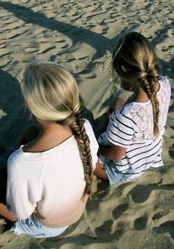 Bestfriends at the Beach I'm gotta take a pic like thiiis ' <3