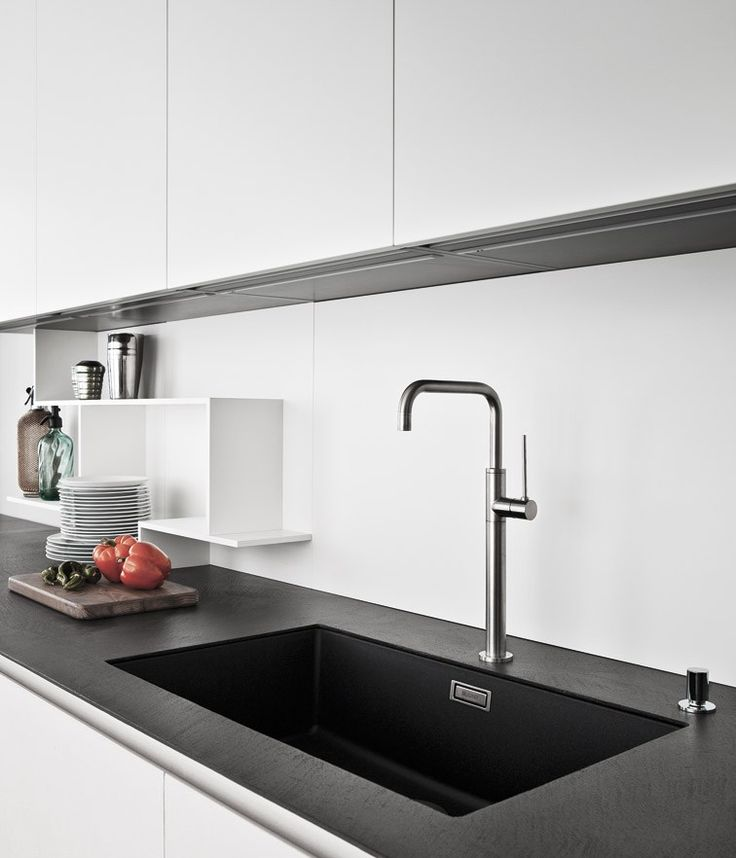 LINE K Kitchen with peninsula by Zampieri Cucine design Stefano Cavazzana