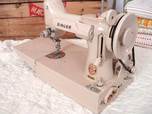 Original TAN Singer Featherweight 221 Machine