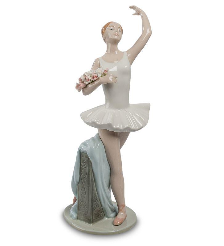 "Статуэтка ""Прима-балерина"" CMS-19/25 (Pavone)   Бренд: Pavone (Италия);      Страна производства: Китай;   Материал: фарфор;   Длина: 11,3 см;   Ширина: 10,8 см;   Высота: 28 см;   Вес: 0,55 кг;      #фарфор #балет #"