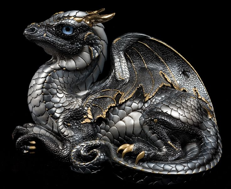 I adore M Pena. I want to own one of these so bad. Old Warrior Dragon© Windstone Editions