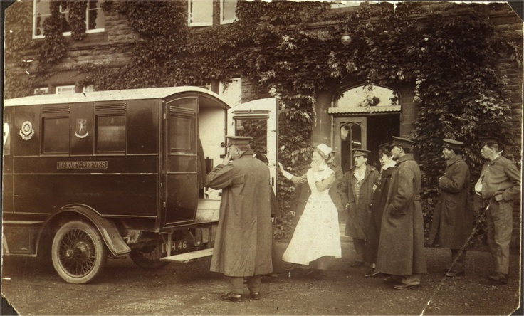 Wounded arriving by ambulance at Kettering VAD Hospital 1916