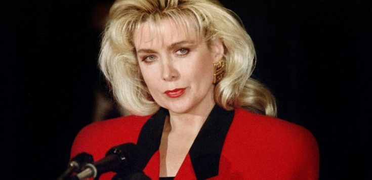 # 42:  Gennifer Flowers,former model &actress w/rose to fame after revealing her affair w/Bill Clinton. B4 he was president she said that they had continued an affair that lasted longer than a decade. He claimed he did no such thing, but then Flowers released audio that proved it was longer than 12 yrs. Cheating on a spouse is very common & as you just saw even the people at the top of the government are guilty of it. It is simply shocking to see just how many presidents had a mistress or ev