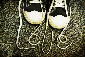 write words with shoelaces