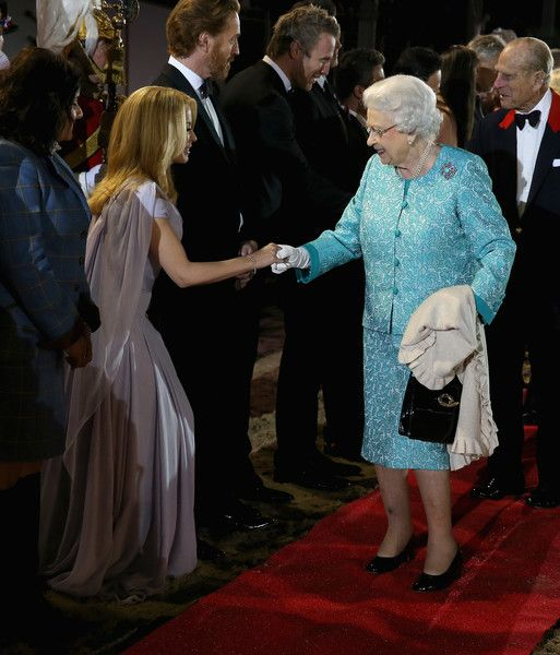 Kylie Minogue Photos - Queen Elizabeth greets singer Kylie Minogue as she attends the final night of her 90th Birthday Celebrations at Windsor on May 15, 2016 in Windsor, England. - The Queens 90th Birthday Celebrations at Windsor - Final Night