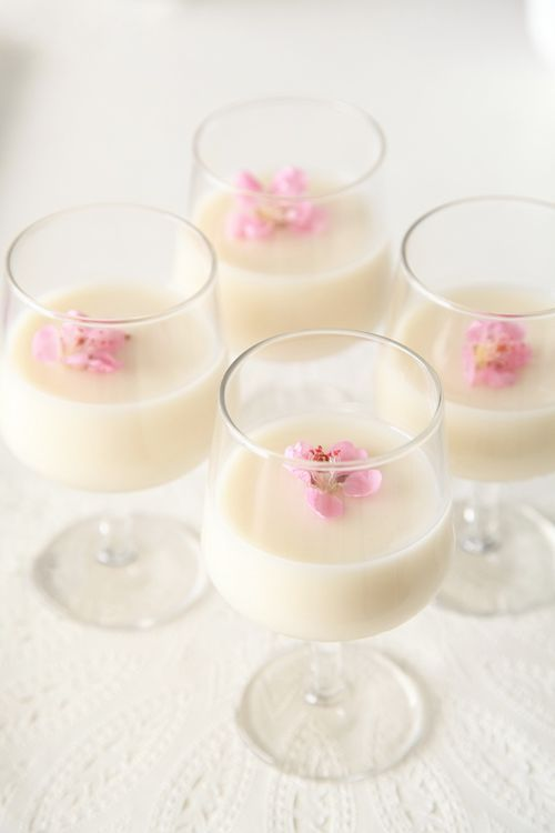 Amazake is a traditional sweet, low- or non-alcohol Japanese drink made from fermented rice.