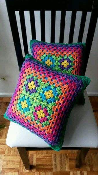 Almohadones arco iris