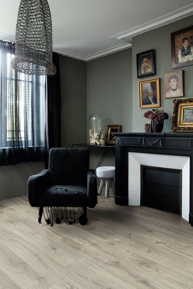 Dark living room night - Quick Step Pulse Livyn Luxury Vinyl
