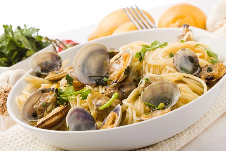 Spaghetti con le vongole di Cannavacciuolo