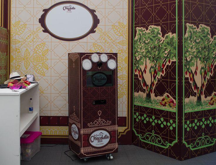 La UNICA fotocabina del mercado que brandeada puede quedar sin herrajes, manijas, esquineros gruesos, chapas o manijas. (renta de cabinas de fotos, alquiler de fotocabinas, foto cabinas)