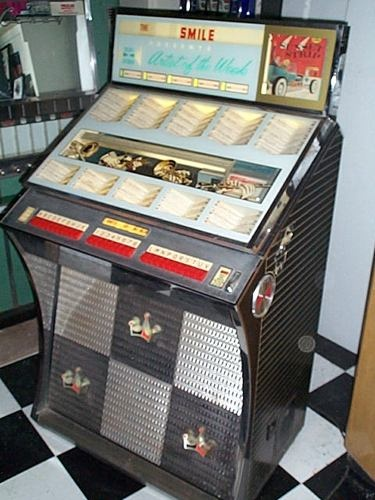 NICE VINTAGE SEEBURG JUKEBOX! SODA FOUNTAIN,DRIVE IN,LATE 50'S STYLING!