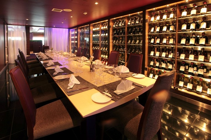 Wine Room, Pacific Pearl