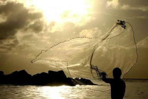"""JESUS CRISTO É O CAMINHO! A VERDADE E A VIDA!: A Pesca Maravilhosa Milagrosa...  """"E, fazendo assim, colheram uma grande quantidade de peixes, e rompia-se-lhes a rede."""" Lucas 5:6  Estudos Biblicos e Teológicos, assuntos da atualidade on-line, acesse:  http://cpljmartins.blogspot.com.br/2014/08/a-pesca-maravilhosa-milagrosa.html"""