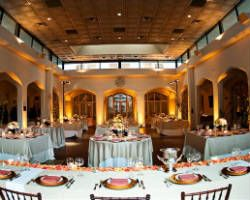 Top 10 Rated Atlanta Wedding Venues, Reception and Banquet HallsCanoeAmong wedding venues in Atlanta, The Canoe is one of the modern in Georgia. For affordable prices couples can book this indoor wedding venue or its reception hall and banquet hall. This Atlanta wedding chapel serves as a small wedding venue and ...
