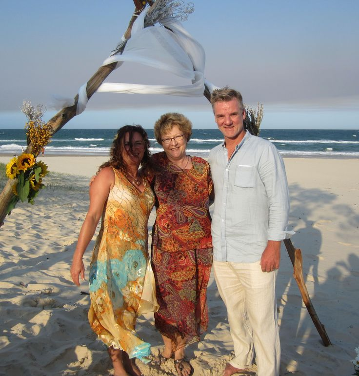 A sand blending was part of Ishtarlia's and Shane's wedding on Rainbow Beach.