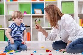 Wat is positief opvoeden? Positief opvoeden, wat is het? En wat is het voordeel voor jou en je kind? Wil jij bewuster gaan opvoeden vanuit verbinding en begrip? Weet jij hoe je reageert op je kind? Lees hieronder meer. Opvoeden is leren van kinderen Opvoeden is niet alleen kinderen iets leren, het is ook leren