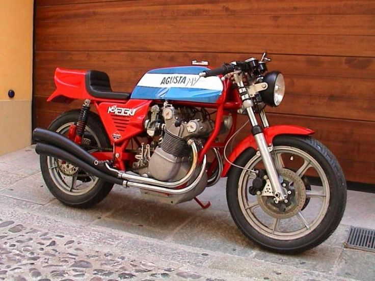 MV Agusta 750S Magni Classic Motorcycle Pictures