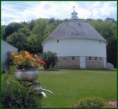 Welcome to the Round Barn Farm, Red Wing, Minnesota