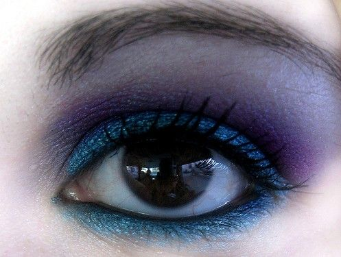 Smokey eye makeup can be done in different colors. Purple Smokey makeup looks very trendy and imparts a stunning and glamorous look to you. If you are not hiring the services of a professional beautician