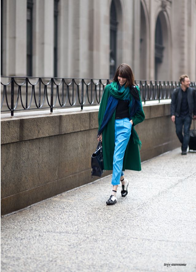 Très Awesome ♥ Chicago Street Style: Pantone Color of the Year at New York…