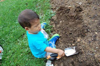 45 Ways to Awaken a Child's Senses Outdoors | Connecting Family and Seoul