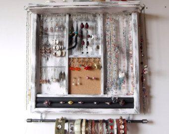Deposito di gioielli. Orecchini visualizzano di FineArtHolders