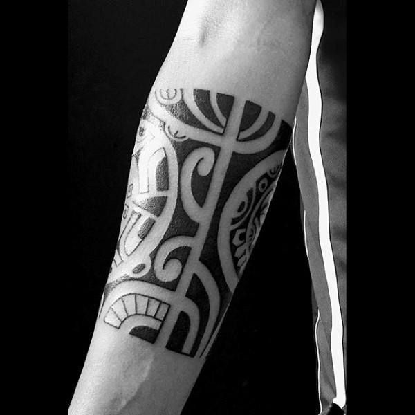 Quarter Sleeve Male Black Ink Hawaiian Style Tribal Forearm Tattoos #hawaiiantattoosforearm