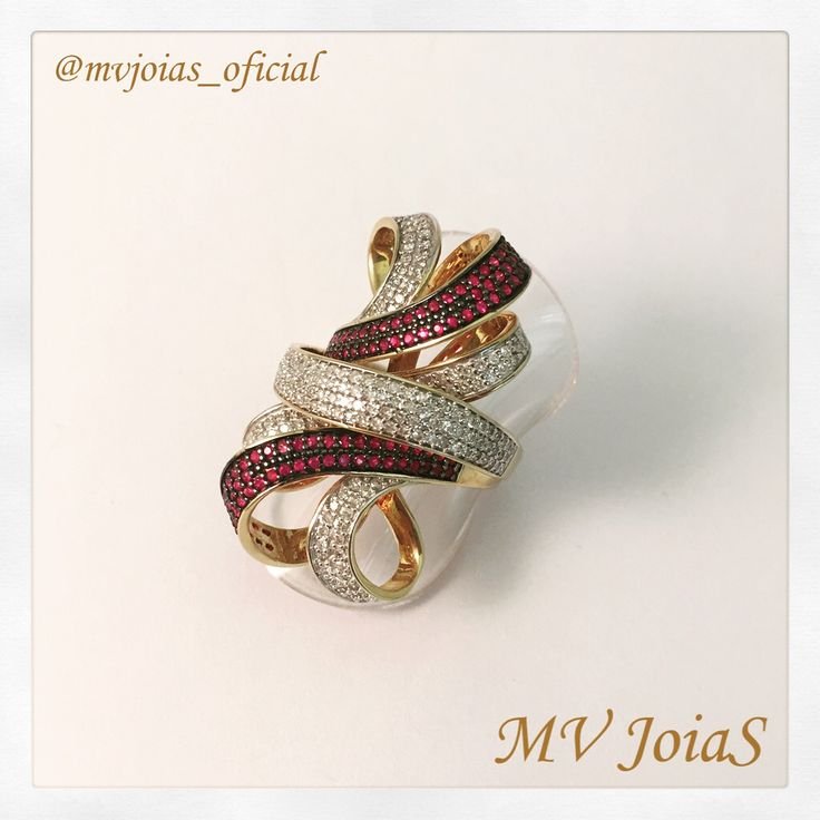 ❄️E a promoção de inverno continua!❄️ Anel de ouro com Rubis e Diamantes de R$11.202 por R$ 7.059 ♦️ #rubi #diamente #anel #ruby #diamond #nightout #bright #ring #lookoftheday #lookofthenight #finejewelry #jewelry #moda #joias #joiasfina #ouro #gold #fashion #fashionpost #design #girls #woman #women #girl #rich #millionaire #lifestyle