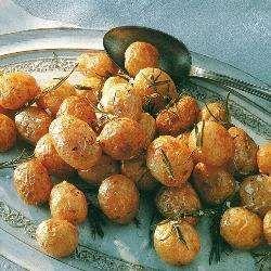 Рецепт: Молодой картофель запеченный с розмарином - все рецепты России
