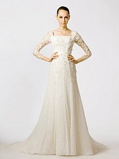 Square Neck Three Quarter Sleeved Lace Bridal Gown'
