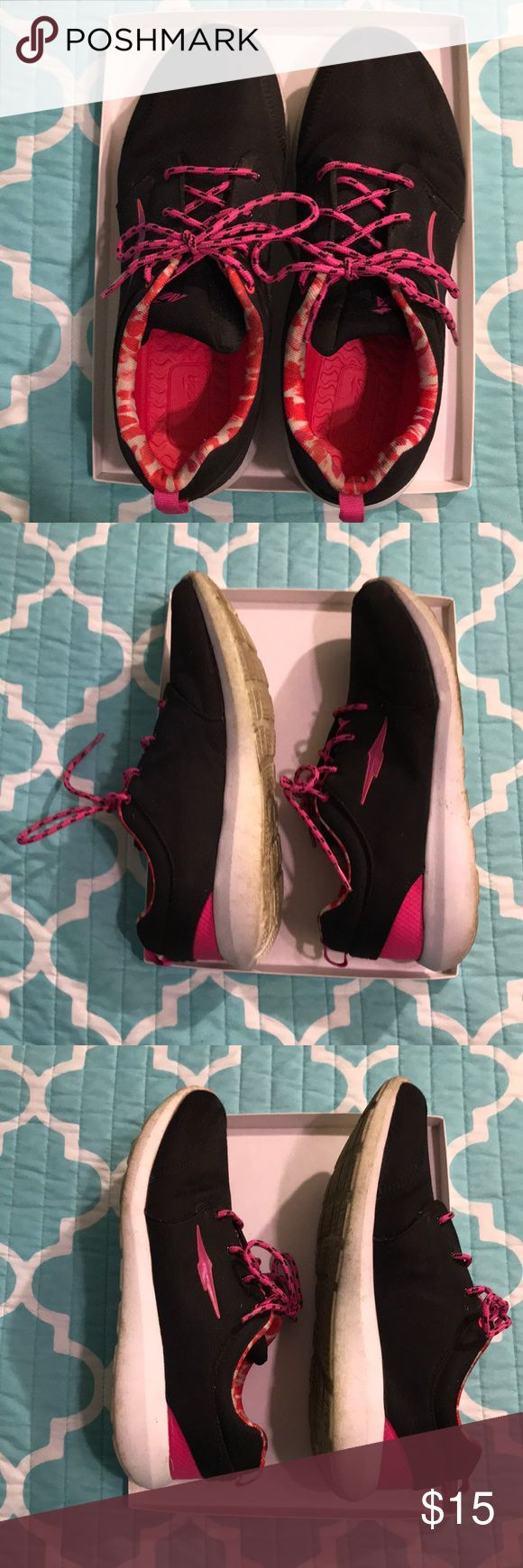 Avia Sneakers 💕💕💕 Good Condition. Make an Offer! Avia Shoes Sneakers