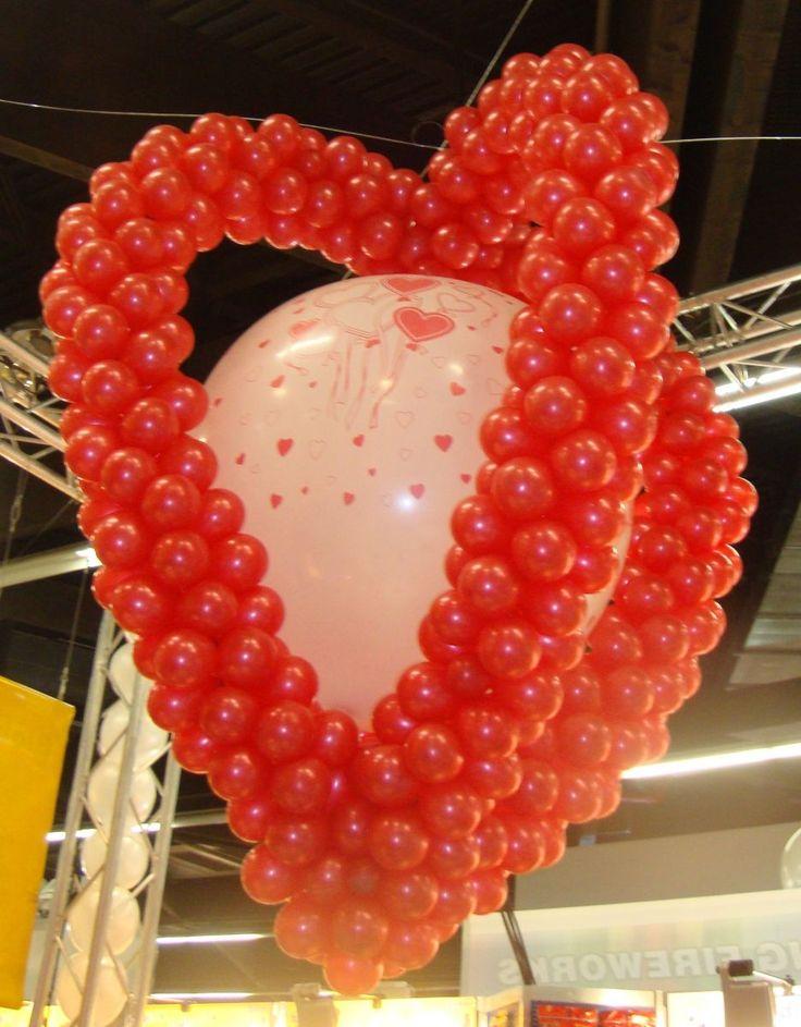 voor 14 februari kunt u bij ons terecht voor valentijn decoratie,s en valentijn ballonnen.