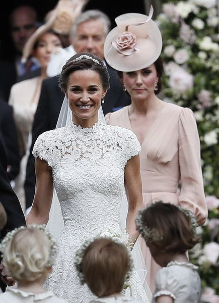 Pippa and Kate - Pippa Middleton Is Married! See the Royal Celebration in These Stunning Pics - Photos