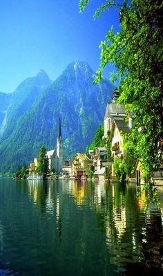 Lake Village, Hallstatt, Austria || Get more travel inspiration for Austria at http://www.holidaystoeurope.com.au/home/resources/destination-articles/austria