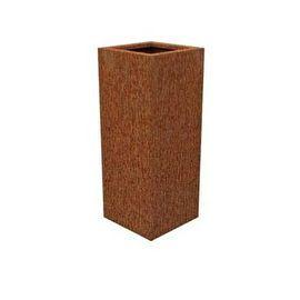 Een onverwoestbaar materiaal met een warme natuurlijke uitstraling. CorTen staal is een sterk en weervast type staal welke de eigenschap bezit om zich bij blootstelling aan de buitenlucht te bedekken met een beschermende roestlaag.