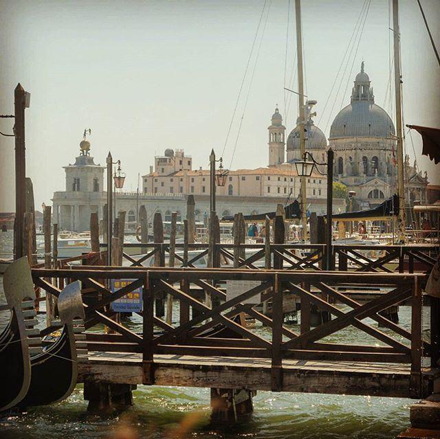 Basilica di Santa Maria della Salute, Venezia, Italia  #venezia #venice #wenecja #venedig #veneto #ig_venezia #ig_venice #igersvenezia #igersvenice #italia #italy #włochy #italien #italian_places #loveitaly #bellaitalia #ig_italia #ig_italy #igersitaly #igersitalia #basilica #santamariadellasalute #santamaria #followme #likeit #picoftheday #grandcanal #canalgrande #panoramic #visititaly