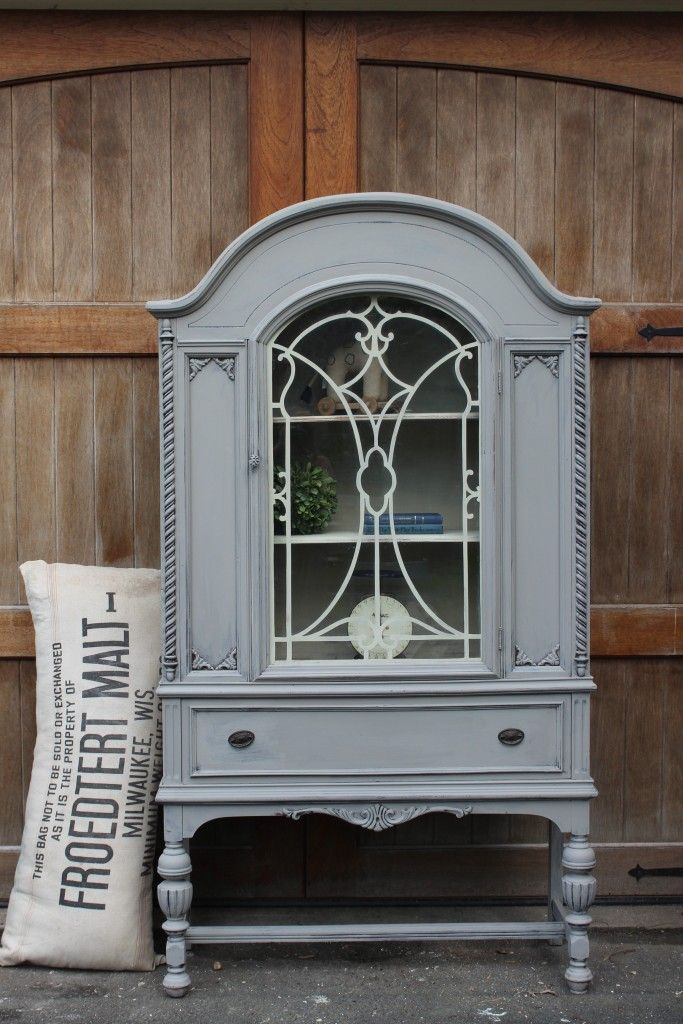 hutch makeover by blue egg brown nest annie sloan chalk paint in french linen and country grey. Black Bedroom Furniture Sets. Home Design Ideas